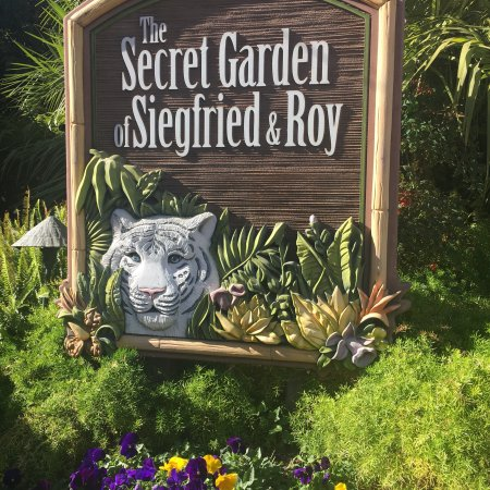 Siegfried Roy 39 S Secret Garden And Dolphin Habitat Las Vegas Nv Beoordelingen