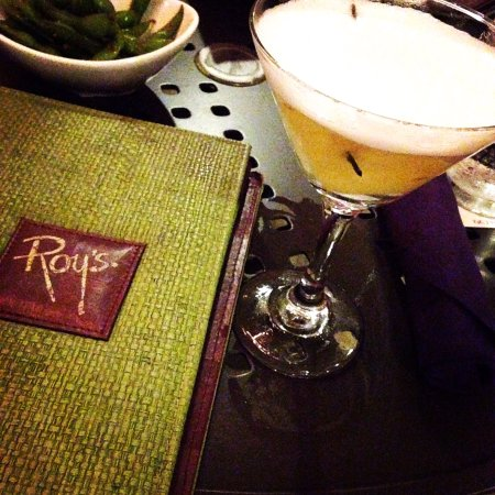 Roy's Waikiki Beach: Awesome cocktail pineapple martini 🍍🍍