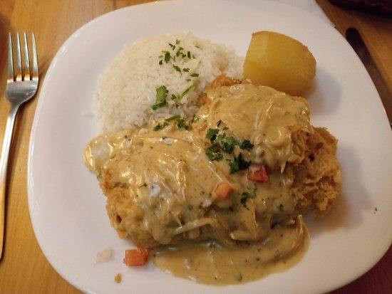 Brocolino Restaurante: peixe numa crosta crocante