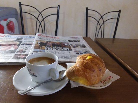 Locanda Modigliani B&B: Bar Modi' sempre pronto per una colazione o un brunch .!