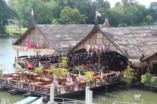 River Kwai: vlot restaurants