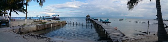 Colinda Cabanas: Panoramic of pier from room