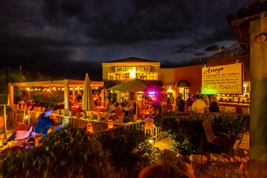 Tubac, AZ: Shelby's at Night is Magical!