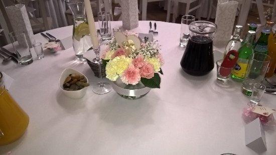 Przyjęcie weselne - okrągłe stoły Mela Rossa