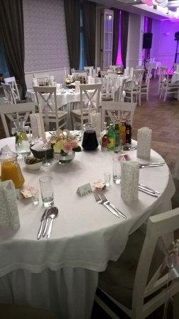 Mela Rossa - okrągłe stoły