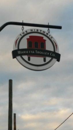 Marietta, GA: Trollry Tours Also.