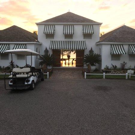 Round Hill Hotel & Villas: photo0.jpg