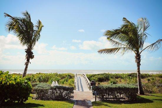 Sanibel Moorings Resort