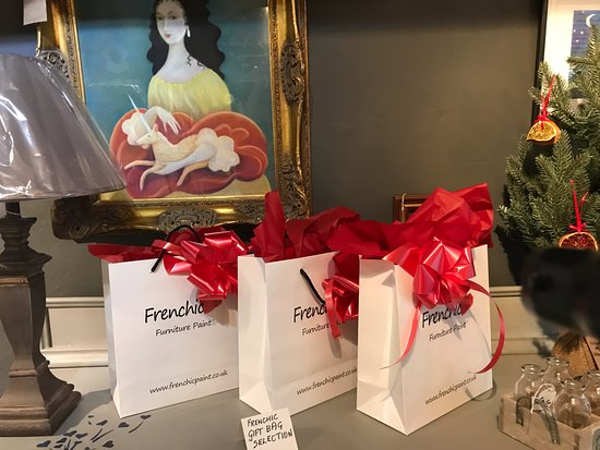 Wotton-under-Edge, UK: Frenchic Furniture Paint Gift Bag