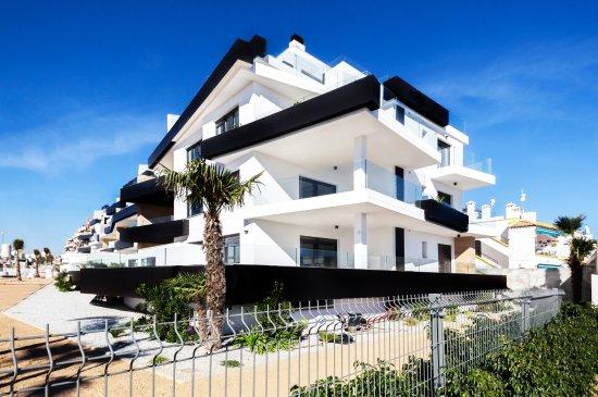 Newly built residential apartments in Villamartin Spain. @ www.ialicante.com