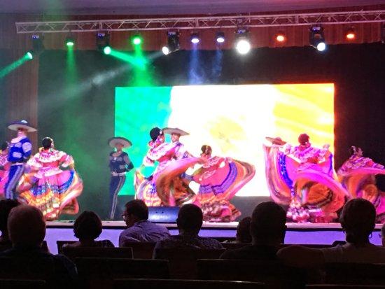 Iberostar Paraiso Maya: Show en el teatro