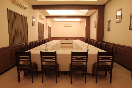 Mundra, Indie: Banquet board room