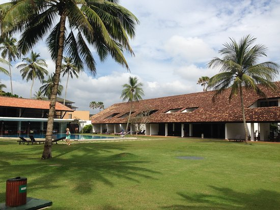 AVANI Bentota Resort & Spa Photo