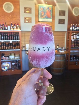 Madera, Kalifornia: Moscato Slushies All Summer Long!