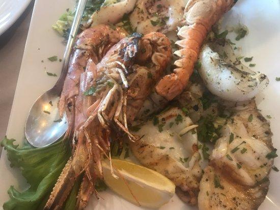 Gambassi Terme, Italia: Grigliata di pesce