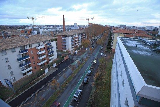 Residhome Privilege Toulouse Occitania: Avenue menant au centre-ville