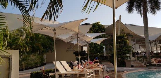 Excelente Hotel para ir a relajarse, el area para adultos este muy bien y los sushis!!