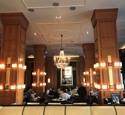 Boulevard Restaurant Picture Of Beverly Wilshire Beverly Hills A Four Seasons Hotel Tripadvisor