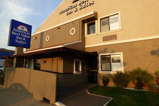 Americas Best Value Inn Suites San Francisco Airport Facing The Street