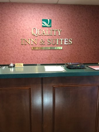 Burnham, PA: Front Desk