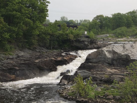 Auburn, ME: Falls