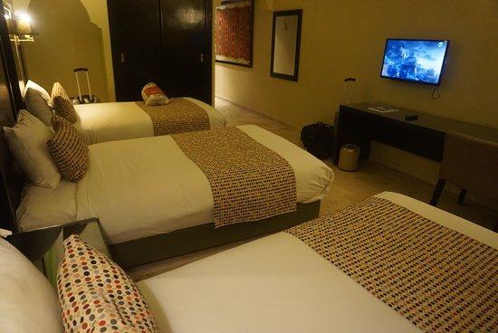 Hotel Diwan Casablanca : Our nice room no402