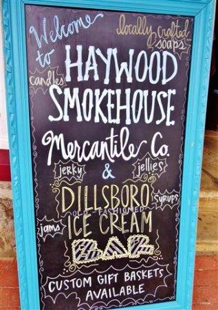 Dillsboro, Carolina del Nord: Exterior sign.