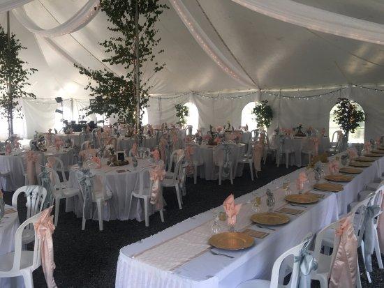 Flin Flon, Καναδάς: Wedding Tent Head Table