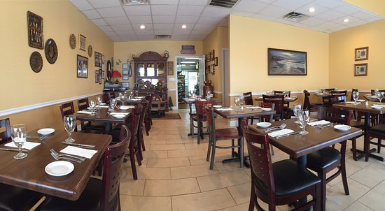 Ocean, NJ: Panorama of the gorgeous interior as we arrived at opening hour.