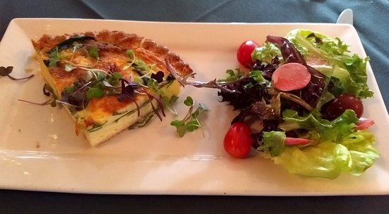 Pomme Restaurant: Gruyere and Spinach Quiche