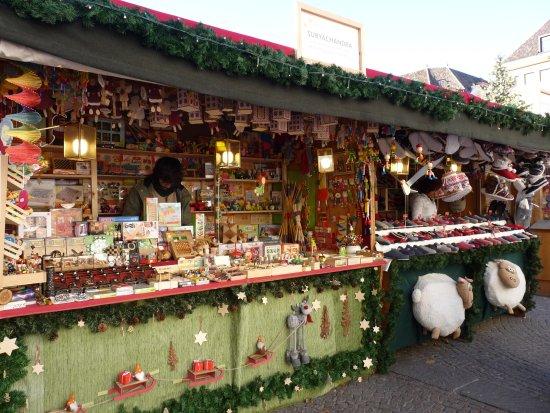 Mercatini Di Natale Bolzano Piazza Walther.Mercatino Di Natale In Piazza Walther A Bolzano Picture Of