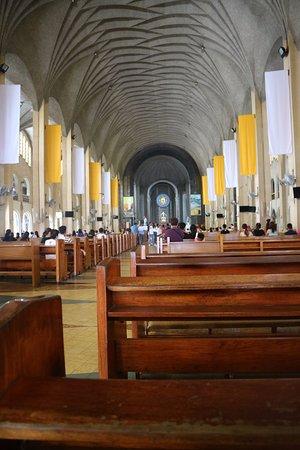 Paranaque, Filipinler: Inside of the church
