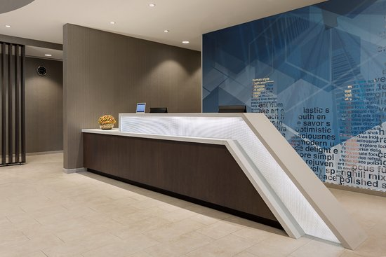 Front desk of the SpringHill Suites Belmont Redwood Shores.