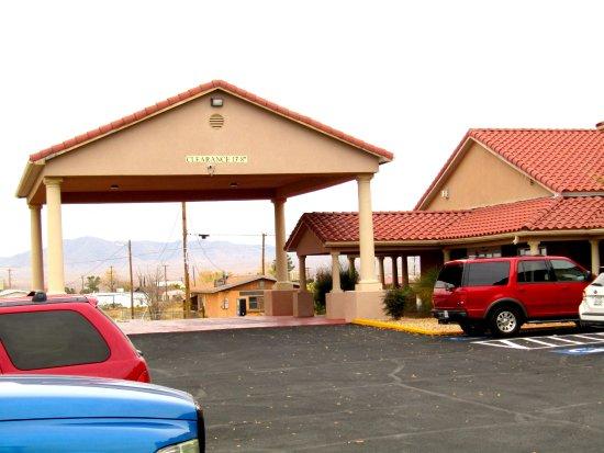 Lordsburg, NM: Main entrance