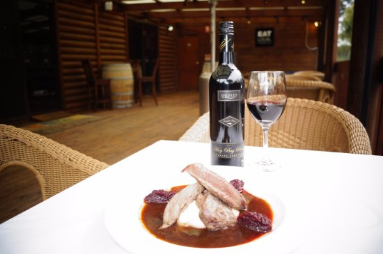 Flinders Chase, Australia: Wash your Kangaroo Loin down with a glass of Kangaroo Island Wine!
