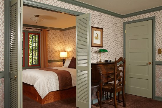 Cool Vintage Cottage Bedroom Picture Of Ucla Lake Arrowhead Download Free Architecture Designs Scobabritishbridgeorg