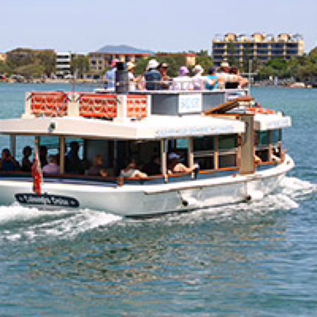 Caloundra, Australien: Summer is here! If you are looking for a great school holiday activity book a trip with Caloundr