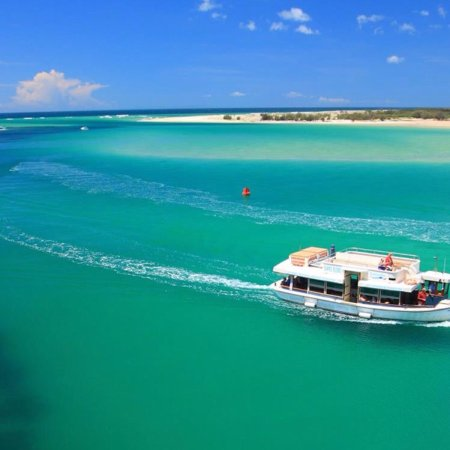 Caloundra Cruises: Summer is here! If you are looking for a great school holiday activity book a trip with Caloundr