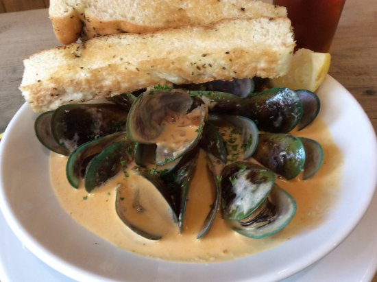 Ohakune, New Zealand: The green lip bay muscles in a curry sauce