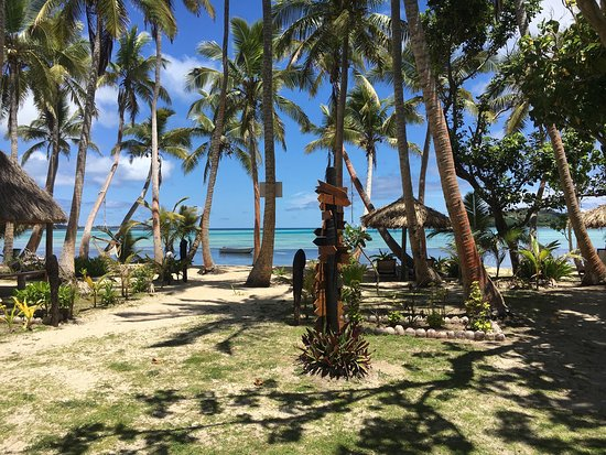 Tavewa Island, Fiji: Best place to relax in Fiji. Only 8 villas on the whole island. Best staff in all of Fiji.