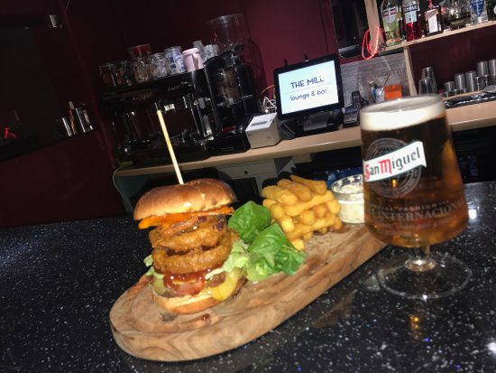 Hedon, UK: Burger and a beer