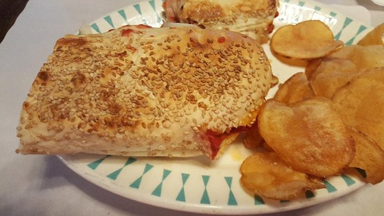 Greenville, MI: Pizza sub with house fried chips