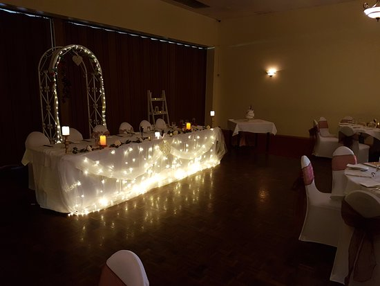 Myrtleford, Australia: lit up bridal table