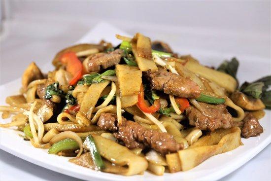 Lisle, IL: Pai Thai Style Rice Noodle