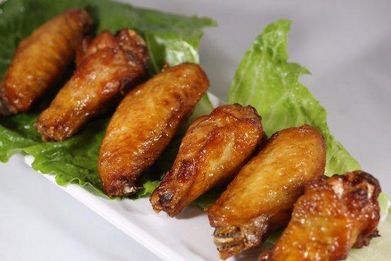 Lisle, IL: Chicken Wings (6)