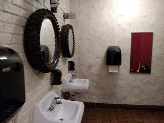 Irwin, PA: Bathroom