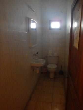 Puig de Pollença: Toilet facilities on top floor - clean and well maintained