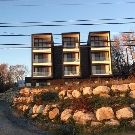 The Quarterdeck Beachside Villas and Grill: photo5.jpg