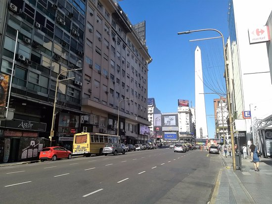 Avenida Corrientes: Obelisco from Corrientes
