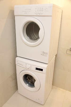 Onyx Apartments Washing Machine Tumble Dryer
